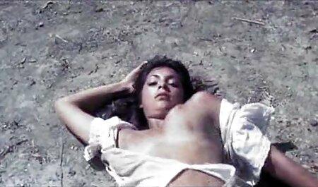 एक सेक्सी मूवी वीडियो में सेक्सी लड़की पंगा लेना दानव