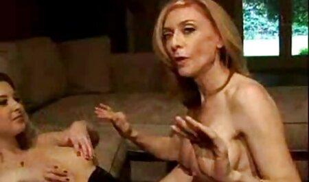 मर्सिडीज में सेक्स मूवी सेक्सी फिल्म वीडियो में