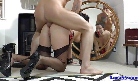 नौकरानी के साथ सेक्सी फिल्म फुल एचडी में पार्टी