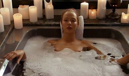 परिपूर्ण सेक्सी फिल्म मूवी में स्तन